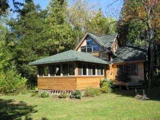 The picture perfect cottage on Lake Champlain. This 1 Bedroom 2 Bath craftsman style cottage is tucked in the corner of a privat - North Hero vacation rentals