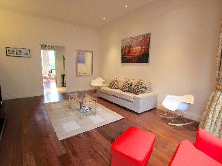 Hight St Kensington Large luxury flat with Garden - London vacation rentals