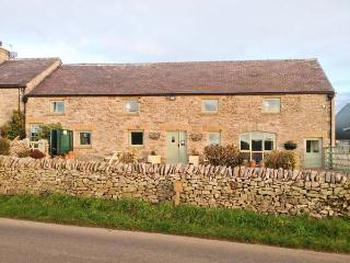 THE DAIRY semi-detached, wonderful views, pet-friendly cottage in Tideswell Ref. 29530 - Peak District vacation rentals