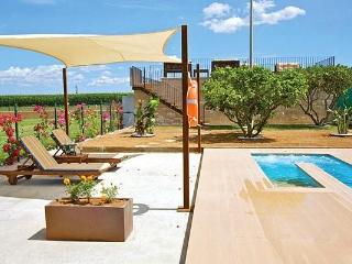 Holiday house for 2 persons, with swimming pool , in Sa Pobla - Sa Pobla vacation rentals