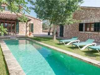 Holiday house for 9 persons, with swimming pool , in Santa Margalida - Majorca vacation rentals
