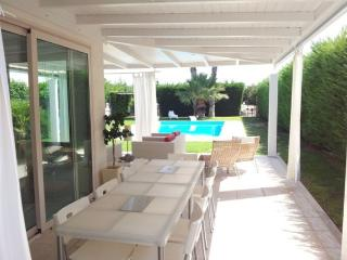 VILLA PLAYA GRANDE: villa with private pool, 800 meters from the sandy beach - Ragusa vacation rentals