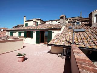 Casa Giulia, historical patrician apartment with panoramic terrace in town. - Cortona vacation rentals