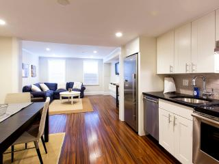 Beacon Hill - Charles Street #1 - 3 bedroom, 1.5 bathroom, sleeps 6-7 - Boston vacation rentals
