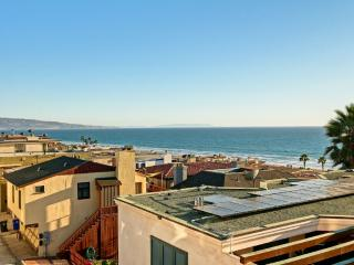 2 blocks to beach, View of the Pacific - Manhattan Beach vacation rentals