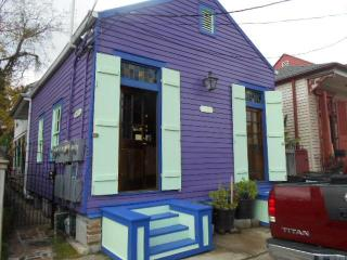 Your own historical cottage, steps to the Quarter. - Louisiana vacation rentals
