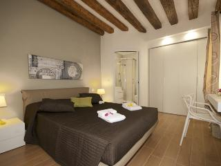 CA D'ORO CANAL VIEW - Venice vacation rentals