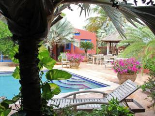 La Maison Aruba - Studio #1  Studio with pool 800 yd to beach Marriott  *Flash Sale* - Palm Beach vacation rentals