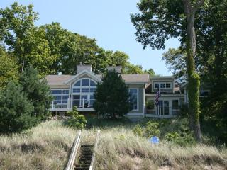 Lakefront Retreat - Harbert,MI - Harbert vacation rentals