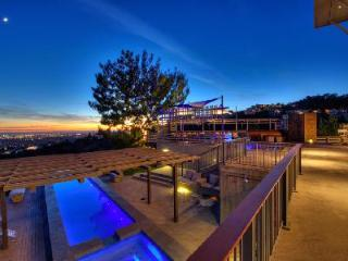 Tranquil hillside haven Sunset Heights with ocean & mountain views, pool & jacuzzi - Los Angeles County vacation rentals