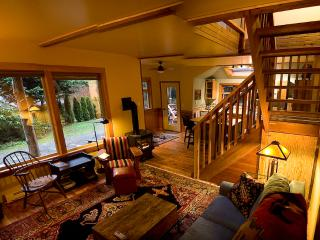 Creative west coast charm in Heron House - Tofino vacation rentals