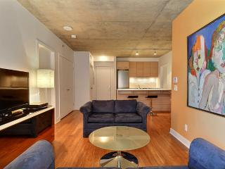 LUXURY DOWNTOWN 2 BDRM CONDO #32571 - Montreal vacation rentals