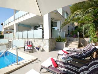 Beautiful villa with pool, near sea & golf, WLAN - Puerto de Alcudia vacation rentals