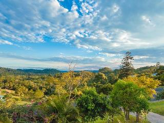 Stunning hinterland views. Tranquil 3 bed House - Eumundi vacation rentals