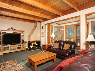 3BR/3BA Townhome PET FRIENDLY Sleeps 8 - Keystone vacation rentals