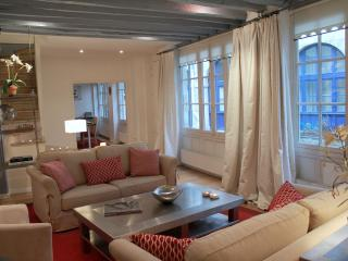 St Germain Romance - Spacious St Michel 2 bedroom apartment - Paris vacation rentals