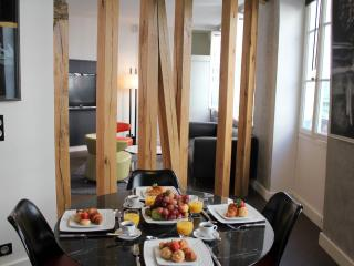 Elysees Modern - Contemporary Elysees Palace 1 bedroom apartment - Paris vacation rentals