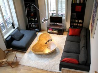 Marais De Luxe - Fashionable 2 bedroom duplex apartment - Paris vacation rentals