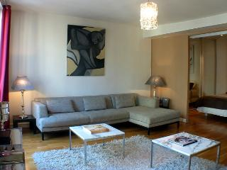 Grands Boulevards -  Bright 1 bedroom apartment - Paris vacation rentals