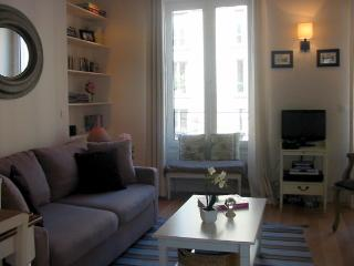 Marais Central - Charming rue Bretagne 1 bedroom apartment - Ile-de-France (Paris Region) vacation rentals