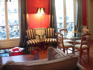 Marais Rouge - Inviting Hotel de Ville 1 bedroom apartment - Paris vacation rentals