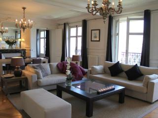 Monceau Majestic - Grand Etoile 1 bedroom apartment - Paris vacation rentals