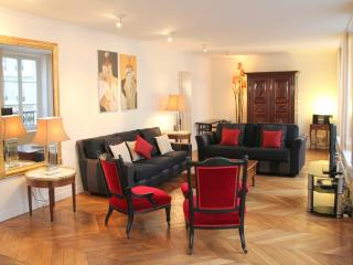 St Germain Classical - Luxurious Le Bon Marche 2 bedroom apartment - Paris vacation rentals