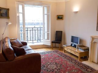 Eiffel Park - Beautiful Eiffel Tower 1 bedroom apartment - Paris vacation rentals