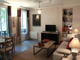 Marais Charm - Spacious Marais 1 bedroom apartment - Paris vacation rentals