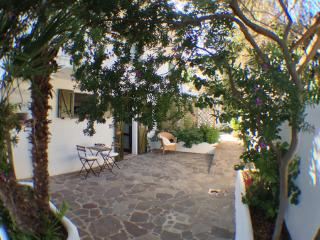 Cà Gisella, perfectly equipped, ideal location - Calasetta vacation rentals