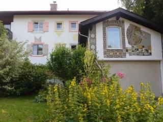 LLAG Luxury Vacation Apartment in Bayerisch Gmain - 861 sqft, Newly renovated, spacious, stylishly furnished… - Bayerisch Gmain vacation rentals