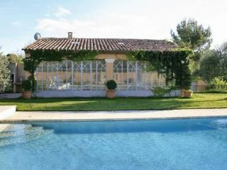 L'Orangerie ~ RA28205 - Lauris vacation rentals