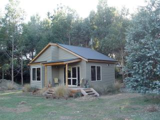Relaxing accommodation, Manapouri, Fiordland, - Manapouri vacation rentals