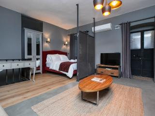 ★★★Galata-Cozy Studio w Designer Furnitures!★★★ - Istanbul vacation rentals
