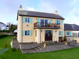 ANCHORAGE COTTAGE AT PANT-Y-BUGAIL, woodburner, WiFi, sea views, en-suite facilities, Tynygongl near Benllech, Ref. 904055 - Brynteg vacation rentals