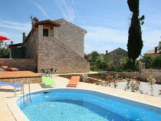 Beautiful Istrian villa with private pool - Tar vacation rentals