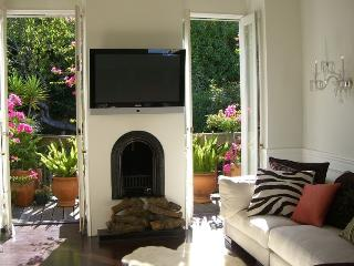 STUNNING AND SERENE VICTORIAN DESIGNER GARDEN HOME IN COVETED CASTRO LOCATION - San Francisco vacation rentals