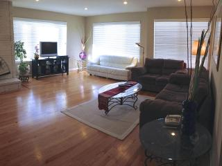 Luxurious 3BR 3BA Parkside Home - San Francisco Bay Area vacation rentals