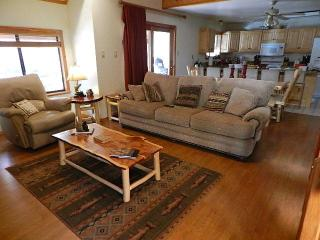 Fish out the back door!   River Charm Lodge! - Red River vacation rentals