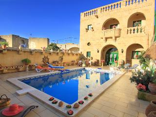 Annie Farmhouse inc Pool, AirConditioned,Sleep14 - Xewkija vacation rentals
