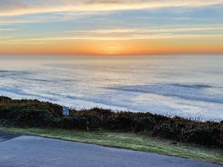 Oceanfront Views! - Lincoln City vacation rentals