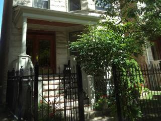 Teri's Chicago Guest House on Lakewood Avenue - Illinois vacation rentals