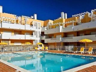 A stunning penthouse with private rooftop terrace. - Cabanas de Tavira vacation rentals