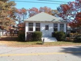 3 Bedroom South Yarmouth Vacation Rental - 194 Pine Grove - Chatham vacation rentals