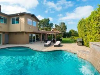 Spectacular Mulholland Mid Century with outdoor pool and maid service - Hollywood vacation rentals