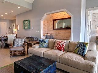 Stunning 3BR/3BA Custom Condo at Cinnamon Shore sleeps 11 - DirecTV NFL! - Port Aransas vacation rentals