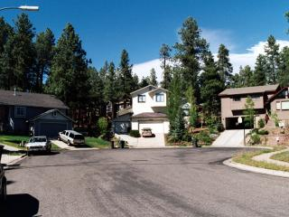 FAMILY-FRIENDLY APARTMENT FOR SMALL BUDGET; IDEAL BASE FOR DAY TOURS - Northern Arizona and Canyon Country vacation rentals