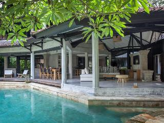 Villa Fi - Simply Stunning - West Sulawesi vacation rentals