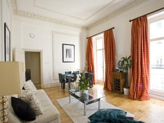 Super Luxury Belgravia with Balcony Lift and AC - London vacation rentals