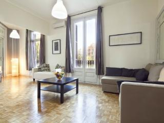 Catalunya Style 5BR/3BA in Eixample for 13 people - Manhattan vacation rentals